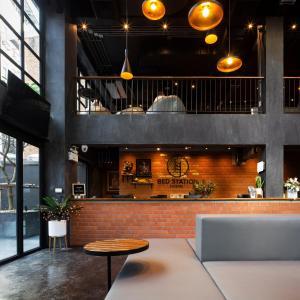 Lounge oder Bar in der Unterkunft BED STATION Hostel Khaosan