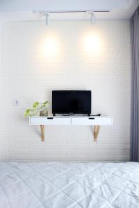 A television and/or entertainment centre at Scandinavian Asia Afrika