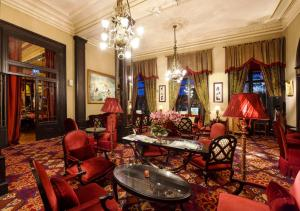 The lobby or reception area at Pera Palace Hotel