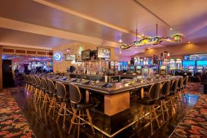 The lounge or bar area at Four Queens Hotel and Casino