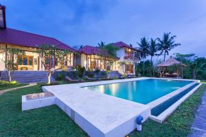 The swimming pool at or close to Champaca Luxury Villas Ubud