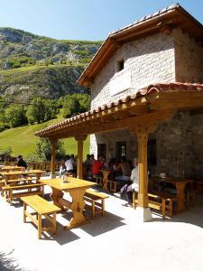 Un restaurante o sitio para comer en El Caleyon