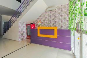 The lobby or reception area at RedDoorz Plus near Stasiun Bekasi