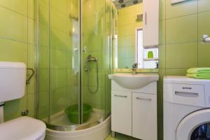 A bathroom at Villa Scala 1 - Mlini