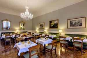 A restaurant or other place to eat at Hotel Pendini