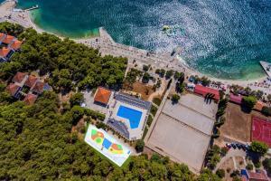 A bird's-eye view of Hotel Medena Budget