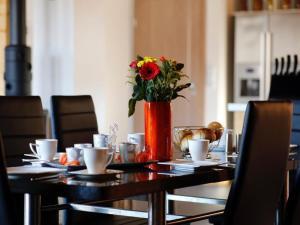 A restaurant or other place to eat at Ferienwohnung Im Erzgebirge