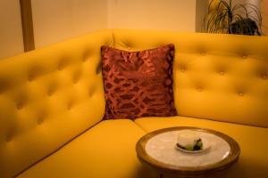 Een zitgedeelte bij Flandria Hotel