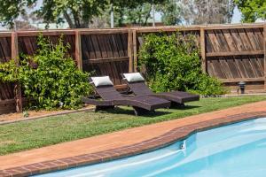 The swimming pool at or near Maffra Motor Inn