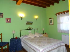 A bed or beds in a room at Balcon De Nut I y II