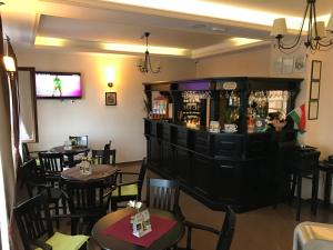 The lounge or bar area at Farkas Panzió