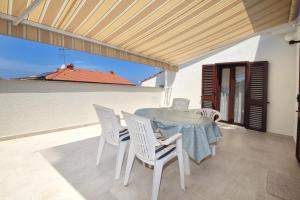 A balcony or terrace at Apartments Marija