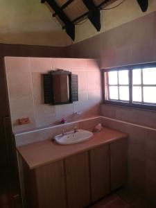 A bathroom at Farm Robyn Kamanjab
