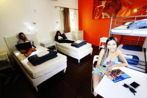 Hóspedes ficando em PV Hostel