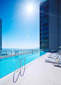 The swimming pool at or near Kolon Seacloud Hotel