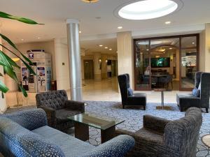 O saguão ou recepção de Carlton Al Moaibed Hotel
