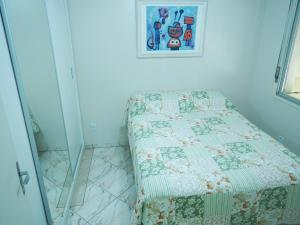 A bed or beds in a room at Quintana Flats