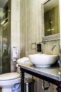 A bathroom at Tariq Hotel Boutique
