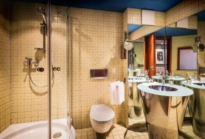 A bathroom at Penck Hotel Dresden
