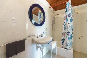Een badkamer bij bungalow campeggio madonnina
