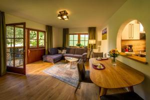Ein Sitzbereich in der Unterkunft Appartement-Hotel-Allgayer