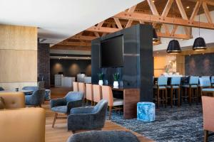 The lounge or bar area at Residence Inn by Marriott Redwood City San Carlos