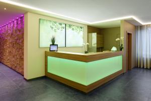 The lobby or reception area at Parkhotel CUP VITALIS