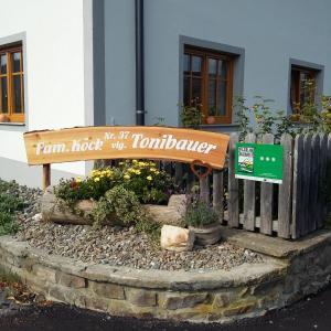 Das Logo oder Schild des Bauernhofs
