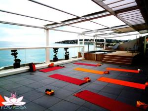 The fitness center and/or fitness facilities at Hôtel Riva Art & Spa