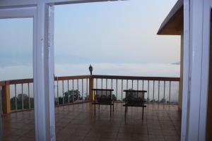 A balcony or terrace at Hotel Paradiso
