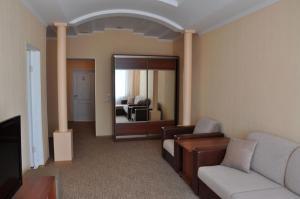 Гостиная зона в Гостиница Атаман