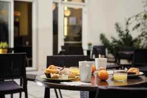 Breakfast options available to guests at ibis Styles Marseille Gare Saint-Charles