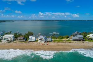 A bird's-eye view of Eden Beach Retreat