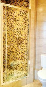 Ванная комната в Эрзи Клуб Отель