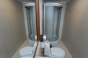 A bathroom at Pathos near Kremlin