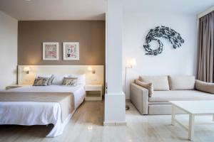 Een bed of bedden in een kamer bij Bahia Principe Sunlight San Felipe
