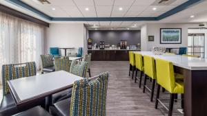 A restaurant or other place to eat at Best Western Rock Hill