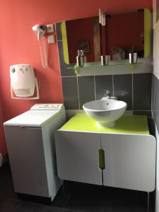 "A bathroom at Gîte alsacien ""au HEIMBACH"" 8 pers ,classé 3 étoiles"