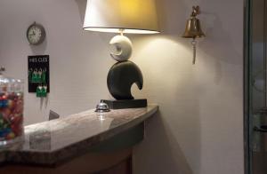 A bathroom at Hotel Des Zouaves