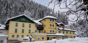 Hotel Hubertushof im Winter