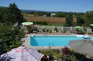 The swimming pool at or near Annville Inn Bed & Breakfast
