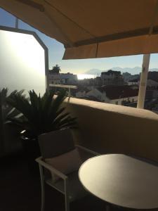 A balcony or terrace at Hôtel Cannes Centre Univers