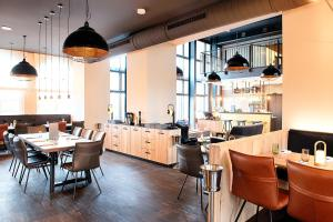A restaurant or other place to eat at Welcome Hotel Neckarsulm