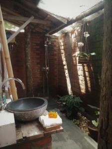 A bathroom at Kubu Reod