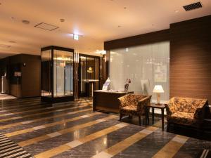 The lobby or reception area at APA Hotel Himeji-Eki-Kita