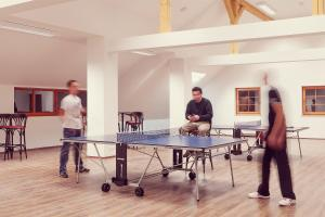 Ping-pong facilities at Guesthouse Macesen or nearby