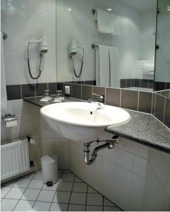 A bathroom at Morada Hotel Isetal