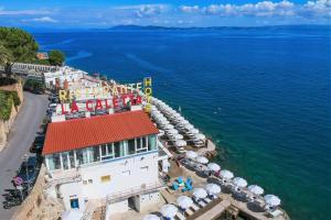 Vista aerea di Hotel La Caletta