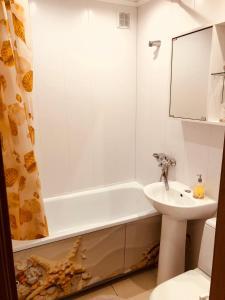 Ванная комната в Studio on Lobachevskogo street