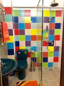 A bathroom at Hostel Loco